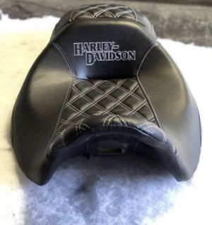 CUSTOM MOTORCYCLE SEATS HEATED SEATS GEL PADS HARLEY TRIUMPH DUCATI INDIAN HONDA SUZUKI YAMAHA BUELL AND MORE JET SKIS TOO... MG Motoring SouthGate Ca for Sale in Lynwood, CA