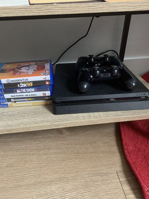 PS4 everything included with games!! MUST GO TODAY for Sale in Chicago, IL