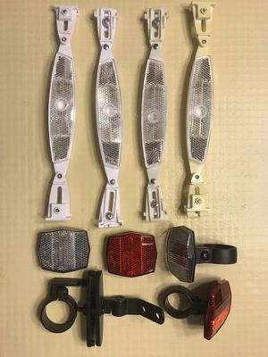 FOR ROAD & MOUNTAIN BIKE ( TWO SET OF LIGHTING LIGHTS ) ( Reflectors ) INCLUIDED 2 FRONT LIGHTS, 2 BACK LIGHTS & 4 WHELLS LIGHTS ( All for $ 7 ) for Sale in Orlando, FL