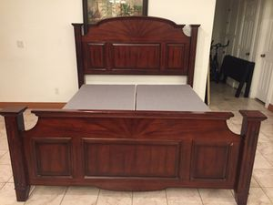 King bed frame for Sale in Industry, CA