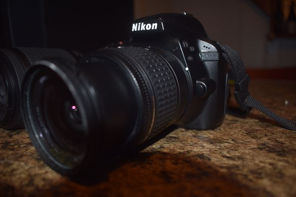 Nikon d 3400 comes with 2 lens 55-200 18-55