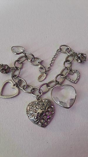 Cute Guess charm heart bracelet w/clear rhinestone silver tone for Sale in Pawnee, OK