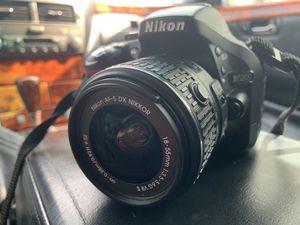Nikon DSLR D5200 for Sale in Kissimmee, FL
