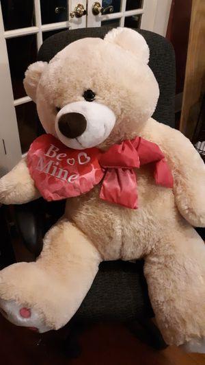 Giant teddy bear for Sale in Alexandria, LA