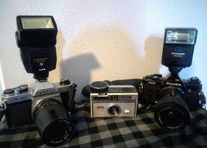 Vintage Film Cameras & Camera Lens Bag for Sale in Peoria, AZ