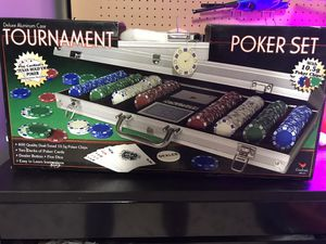 400 pc deluxe poker set for Sale in Tualatin, OR