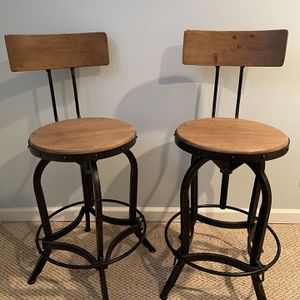 Nathan Swivel Adjustable Height Bar Stool for Sale in Seattle, WA