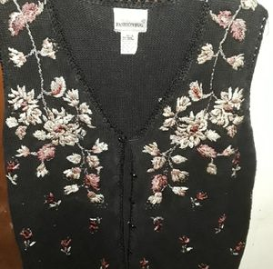 floral sweater vest for Sale in Conyers, GA
