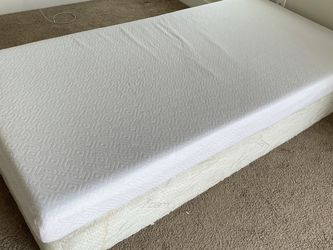 Lucid Gel Memory Foam Mattress With FREE bed Frame for Sale in Eagle Mountain,  UT