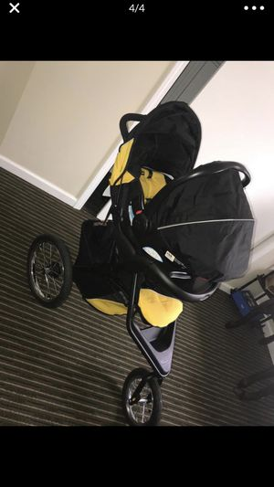 Graco travel system (Car seat and Stroller) for Sale in Dearborn, MI
