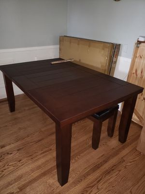 Kitchen table (2 chip spots) for Sale in Oakland, CA