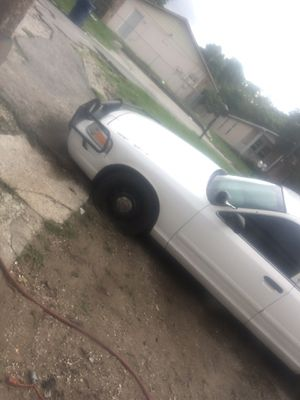 2003 Ford Crown Victoria for Sale in Tampa, FL