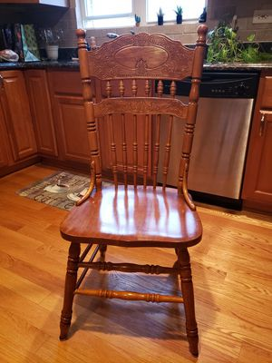 Wood chairs for Sale in Chicago, IL