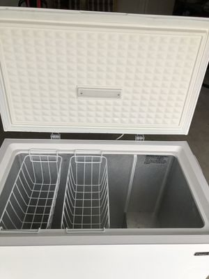 2020 White 7.0 Cubic Feet Chest Freezer for Sale in Spring Hill, FL