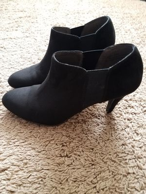 Shoes size 7 for Sale in Arlington, TX