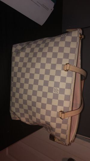 Louis Vuitton bag for Sale in Bensenville, IL