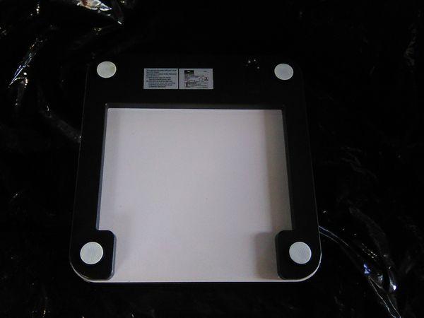 Crane body fat bathroom scale glass digital new. No box.