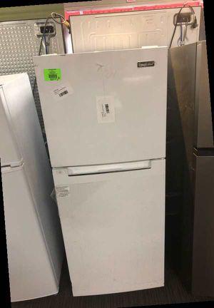 Magic Chef White Top Freezer Refrigerator 9L for Sale in Dallas, TX