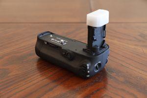 Canon 5d IV BG-E20 battery grip for Sale in Chandler, AZ