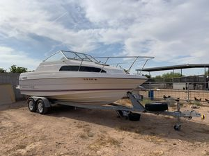 1994 Bayliner Classic 2252 cabin cuddy boat for Sale in Mesa, AZ