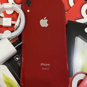 Factory unlocked apple iphone Xr 64 gb, store warranty! for Sale in Somerville, MA