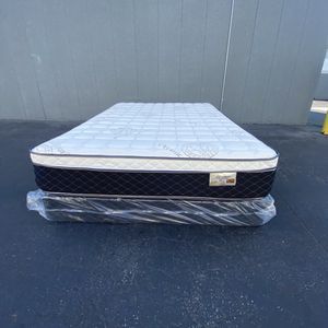 Twin Mattress And Box Spring for Sale in Downey, CA