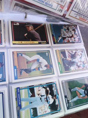Baseball cards in collectibles condition for Sale in Evesham Township, NJ