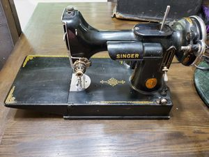 1941 Singer Featherlite sewing machine for Sale in Puyallup, WA