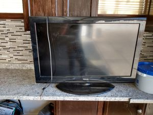 40 inch toshiba with original remote 45 cash Roseville. To pickup for Sale in Roseville, CA