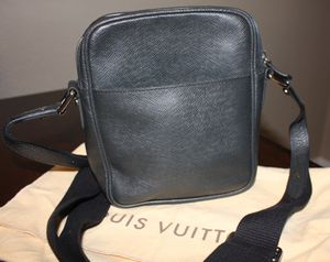 Louis Vuitton Taiga Dimitri Shoulder bag for Sale in Corona, CA