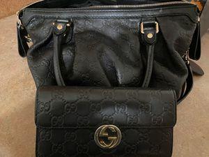 Gucci guccissima crossbody bag & wallet for Sale in Bensenville, IL