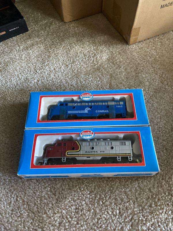 Model power trains - conrail and santa fe