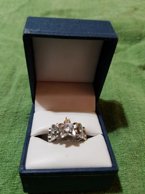 925 Silver and Cubic Zirconias Flower Design Ring size 6 for Sale in Phoenix, AZ