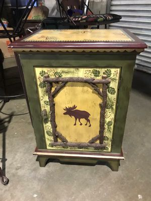 Side table for Sale in Tulare, CA