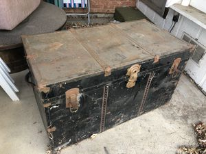 Vintage old steamer trunk for Sale in Westminster, CO