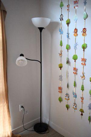 2 bulb floor lamp for Sale in Belmont, CA