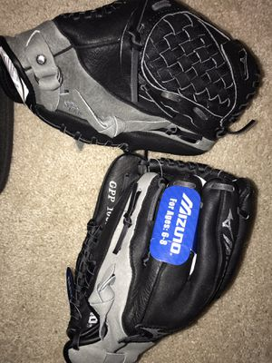 Mizuno Baseball Gloves 10.5 Youth Right handed for Sale in Triangle, VA