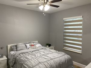 Vendemos todo tipo de cortinas (blinds) motorizadas o manuales for Sale in Miami, FL
