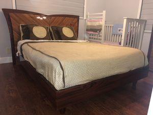 Three Piece Bedroom Set w Queen Mattress for Sale in West Palm Beach, FL