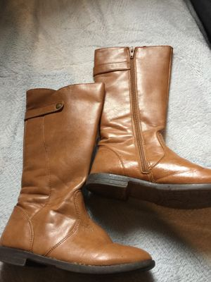 Girls tan boots size 1 for Sale in Visalia, CA