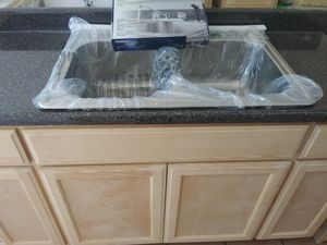 5ft kitchen cabinet faucet formaica countertop for Sale in South Gate, CA