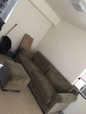 Couch set w/ottoman for Sale in Miami, FL