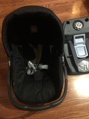 Peg perego car seat base $25 for Sale in Dearborn, MI