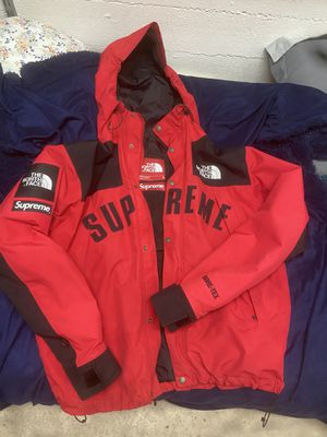 Supreme Gore-Tex The North Face 2018 Arc Logo Mountain Parka (size Large) for Sale in Modesto, CA