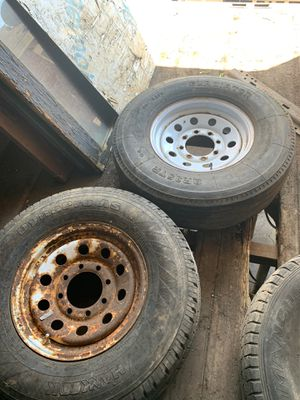 8 lug trailer wheel and tires. 6 total $60 takes all for Sale in BRECKNRDG HLS, MO