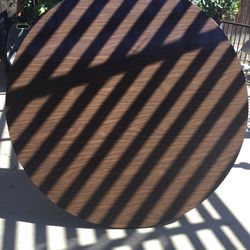 "5 ft. (60"") Round table . Porch Pick up only. for Sale in Fresno, CA"
