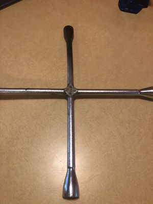 Craftsman lug wrench for Sale in West Valley City, UT