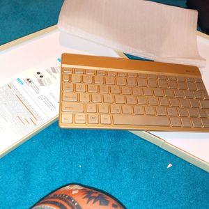 Wireless keyboard for Sale in Lakeland, FL