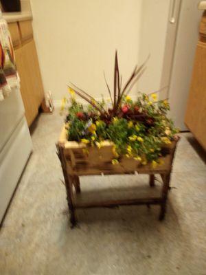 Hand made cedar flower planter. for Sale in Mill Creek, OK