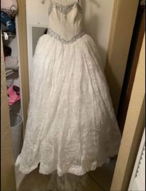 Vera wang wedding dress for Sale in Gulfport, FL
